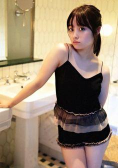 Y o i m a c h i added a new photo. Korean Beauty Girls, Korean Girl Fashion, Asian Beauty, Outfits Teenager Mädchen, Teen Girl Outfits, Cute Asian Girls, Cute Girls, Cool Girl, Beautiful Japanese Girl