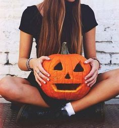 halloween | via Facebook . http://www.amazon.com/dp/B007FMC8I8/?tag=googoo0f-20 Halloween -  #cute  hipster