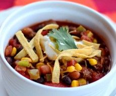 One of the only Taco Soup recipes that does NOT call for Ranch Dressing mix. This recipe also uses lots of chopped fresh veggies. Easy taco soup recipe that you can make in less than 30 minutes. Slow Cooker Recipes, Crockpot Recipes, Soup Recipes, Cooking Recipes, Healthy Recipes, Easy Recipes, Budget Cooking, Cooking Tips, Recipies