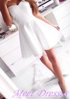 White Short Homecoming Dress Simple Princess Strapless Prom Dress Cute Sweet 16 Gown For Teens - Thumbnail 2