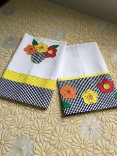 33 Trendy Embroidery Designs By Hand Easy Tea Towels Hand Embroidery Designs, Applique Designs, Embroidery Applique, Machine Embroidery, Machine Applique, Dish Towels, Tea Towels, Applique Towels, Sewing Crafts