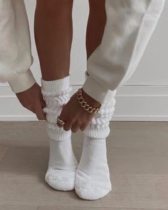 Твиттер Instagram Outfits, Mode Outfits, Fashion Outfits, Womens Fashion, Stylish Outfits, Foto Glamour, Cream Aesthetic, Cozy Aesthetic, Aesthetic Coffee