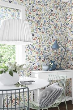 I don't think it's actually Josef Frank, but I don't care. I love it and I'm going to marry it.     Wallpaper from the collection Wallpapers by Scandinavian designers from Boråstapeter.