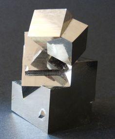 Conglomerado de pirita - 7,8 x 5cm - 560gm