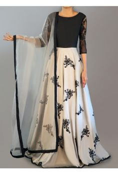 Light Grey and Black Embroidered Anarkali is on taffeta silk fabric and features a santoon inner and bottom alongside a net dupatta and lace arms. Embroidery work is completed with thread and lace embellishments. Indian Gowns, Indian Attire, Indian Wear, Indian Suits, Lehenga Designs, Designer Anarkali, Look Fashion, Indian Fashion, Dress Outfits