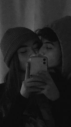 Cute Couples Photos, Cute Couple Pictures, Cute Couples Goals, Cute Photos, Freaky Pictures, Cute Boyfriend Pictures, Cute Teen Couples, Cute Couple Selfies, Beach Couples