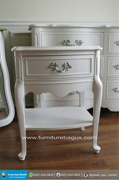 White French Provincial Nightstand Love The Silver Paint On The with measurements 2664 X 4000 White French Provincial Bedroom Furniture - Traditional French Provincial Bedroom, French Provincial Furniture, French Furniture, Refurbished Furniture, Repurposed Furniture, Furniture Makeover, Painted Furniture, Home Furniture, Furniture Movers