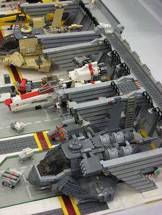 LEGO Battlestar Galactica hanger bay maxasaurus