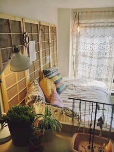 25 Of The Most Well Designed Dorm Rooms Perfect For Decor Inspiration