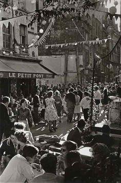 Willy Ronis Bal du 14 juillet, rue du Petit-Pont, 1961