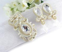 #Delicate #bridal #ivory #set, #earrings #bracellet, made of Swarovski stones, Toho beads and pebbles.  www.pillowdesign.pl