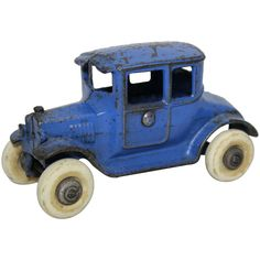 Vintage Wear, Vintage Toys, Westerville Ohio, Cast Iron, It Cast, Dump Truck, Cool Toys, Arcade, Red And Blue
