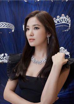 Pretty Asian Girl, Beautiful Asian Girls, Kpop Girl Groups, Kpop Girls, Korean Beauty, Asian Beauty, Song Hye Kyo Style, Ulzzang Makeup, Beautiful Goddess