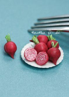 Day 18 - Chioggia Beet / Betterave de Chioggia Miniature food sculpture Stephanie Kilgast, PetitPlat Miniatures