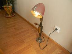 Lampe de bureau faite a partir d un phare de 2CH Citroën d une CHIGNOLE