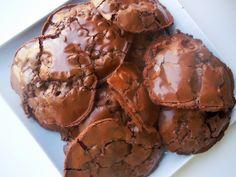 Ooey-gooey Flourless Dark Chocolate Fudge Cookies