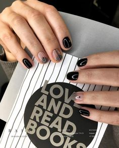 What manicure for what kind of nails? - My Nails Minimalist Nails, Black Nails, Pink Nails, Black Manicure, Hair And Nails, My Nails, Olive Nails, Goth Nails, Nailart
