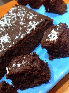 Jaffa Chocolate Cake Chocolate Coconut Icing Place ingredients in Thermomix bowl and cook at 100C for 2-3 minutes, speed 2: 25g ground dates 25g creamed coconut 1/4 tsp vanilla extract 1 tbs cocoa powder 50g coconut milk