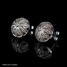 Filigree Button earrings. 18k white gold and diamons. Luis Mendez Artesanos Salamanca. $1,800.00, via Etsy.