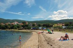 Top apartmány a ubytovanie v súkromí Beach, Water, Outdoor, Gripe Water, Outdoors, The Beach, Outdoor Games, Outdoor Living