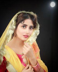 Beautiful Girl In India, Beautiful Girl Photo, Beautiful Hijab, Beautiful Indian Actress, Beautiful Models, Beautiful Women, Stylish Girls Photos, Girl Photos, Stylish Dp