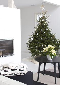lisbet e.: joulupuu skandinaavisessa hengessä