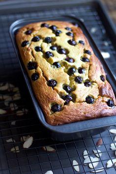 Banana Bread Almond Flour, Blueberry Banana Bread, Baking With Almond Flour, Almond Flour Recipes, Best Banana Bread, Almond Butter, Almond Flour Desserts, Almond Flour Cakes, Coconut Flour
