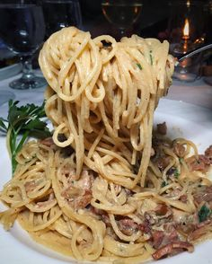When you dine at @ilmulinonewyork you either go big or go home.  Power lifting their famous Spaghetti alla Carbonara w/ pancetta onions & Parmesan. One of my favorite dishes hosted by @jeffrey_merrihue.