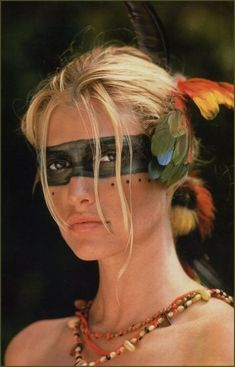 I love the band of color around the eyes, even if it is a more masculine style of tribal makeup. Jungle Party, Jungle Theme, Cosplay Costume, Costume Makeup, Maquillage Halloween, Halloween Makeup, Barbie Halloween, Jungle Costume, Tribal Makeup
