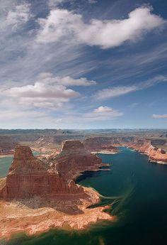Gunsight Butte and North Side of Padre Bay - Glen Canyon - Lake Powell, Utah/Arizona