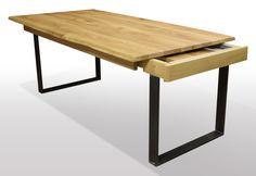 Baumtisch aus Wildeiche auf Schwarzstahl U-Profilen ausziehbar per Kopfkulissenauszug. kntegrierte Klappeinlagen mit Butterflytechnik. Auszugslänge 2x50cm