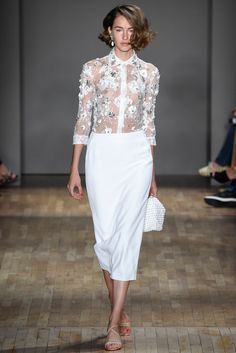 Jenny Packham New York - Spring Summer 2015 Ready-To-Wear - Shows - Vogue. Look Fashion, Spring Fashion, High Fashion, Fashion Show, Fashion Design, Short Curled Bob, Couture Fashion, Runway Fashion, Weekend Hair