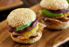 Yummy summer treat: Pineapple-Marinated Grilled Chicken Sliders – Aida Mollenkamp for Foster Farms Chicken Appetizers, Chicken Recipes, Hoisin Chicken, Barbecue Chicken, Broccoli Slaw Recipes, Pineapple Chicken, Avocado Chicken, Pineapple Juice, Chicken Sliders