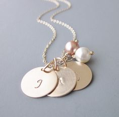 Gold Stamped Initial Necklace Gold Initial Necklace door MemoryBoxJL