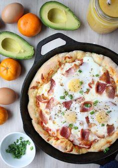 skillet breakfast pizza