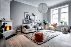 Scandinavian Apartment in Grey and Green - Gravity Home Scandi Living Room, Stairs In Living Room, Living Room Grey, Home Living Room, Living Room Designs, Living Room Decor, Cozy Living, Scandinavian Apartment, Scandinavian Living