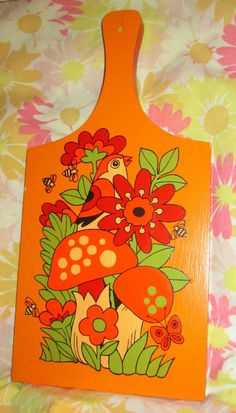 VINTAGE FLOWER POWER MUSHROOM CUTTING BOARD