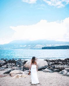 It's Canada's 150th anniversary this year!  I'm so proud to call this place home & to be lucky enough to live in my fave corner of the whole country. Celebrating all things Canadian with @winners in this maxi stunner at the most #westcoast locale: Kitsilano Beach! Where's home for you? #WINNERSFabFind #Canada150 #partner . . . #destinationearth #mytinyatlas #huffpostgram #visualsoflife #beautifuldestinations #adventuremore #passionpassport #visualsofearth #exploretocreate #visualscollective
