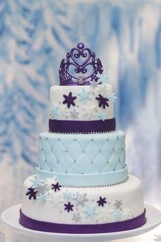 Gorgeous cake at a Frozen birthday party! See more party planning ideas at… Frozen Birthday Party, Frozen Theme Party, Disney Birthday, Birthday Parties, Birthday Games, 4th Birthday, Birthday Ideas, Cupcakes Frozen, Frozen Cake