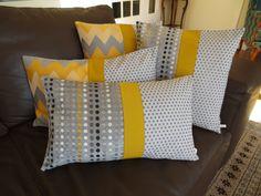 Housse coussin graphique, grise et jaune moutarde, rectangulaire : Textiles et tapis par michka-feemainpassionnement