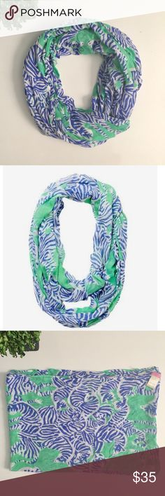 LILLY PULITZER 'I Herd You' Riley Infinity Scarf Gently used condition. 100% rayon. Ask any questions before purchasing. Lilly Pulitzer Accessories Scarves & Wraps