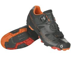 The SCOTT MTB Elite Boa shoe is an all-mountain choice that takes comfort to the next level.