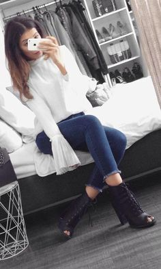 #fall #fashion ·  White Top + Ankle Boots + Skinny Jeans