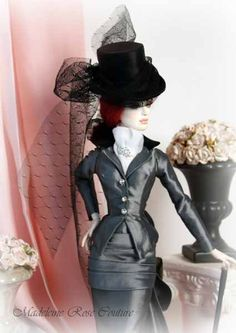 Here is the tutorial, as promised, for making the silk top hats from my riding habits and the new L'habitude en Soie Grise. I used the book 'The Art of Making Miniature Millinery'…