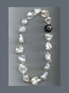 Christopher Walling REFORMATTED-N-3069-Baroque-pearls-with-nugget-and-diamond-clasp-in-oxidized-silver