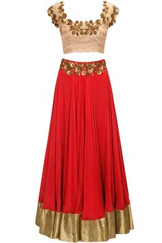 Pink and red floral sequins embroidered lehenga set by Pranthi Reddy. Shop now: http://www.perniaspopupshop.com/designers/pranthi-reddy #lehenga #pranthireddy #shopnow #perniaspopupshop