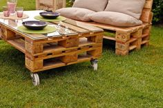 Outdoor pallet coffee table and bench for a nice summer place :)