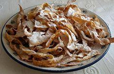 Polish faworki aka chrust