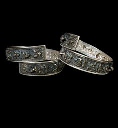 Indonesia - Java | Pair of bangles; silver.  Straits Chinese | ca. early 20th century