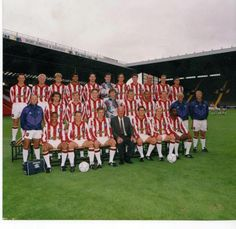 1992 Official Sheffield United team pic, from the Arnold Laver archives  Check out Chris Kamara at the back!  http://sphotos-g.ak.fbcdn.net/hphotos-ak-snc6/196829_546634488682835_1367571120_n.jpg